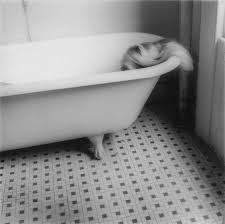 francesca-woodman-baignoire